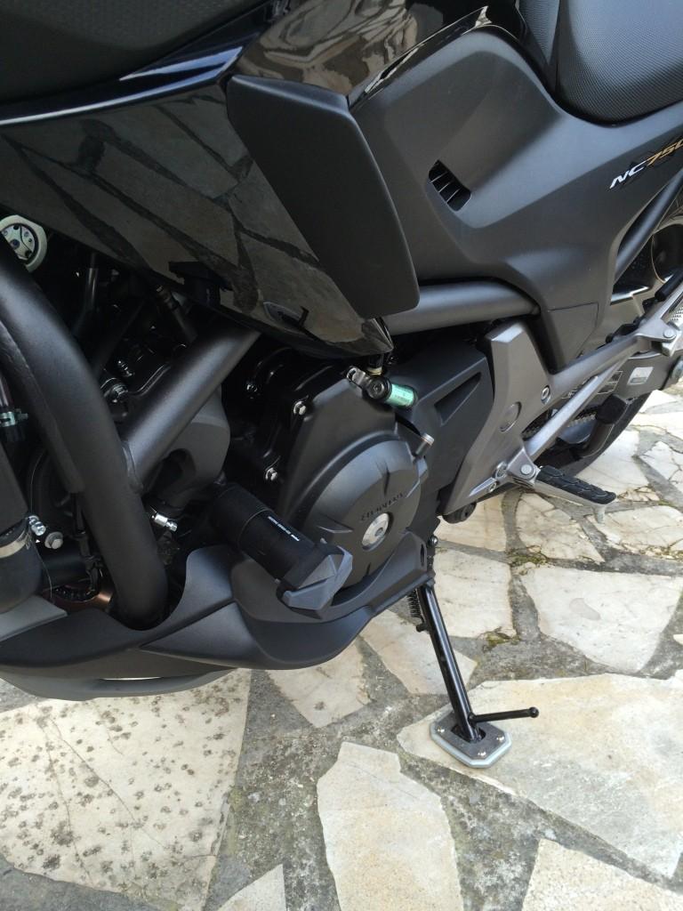 Equipement optionnel Honda Montage des déflecteurs supérieur et inferieur Img_6423
