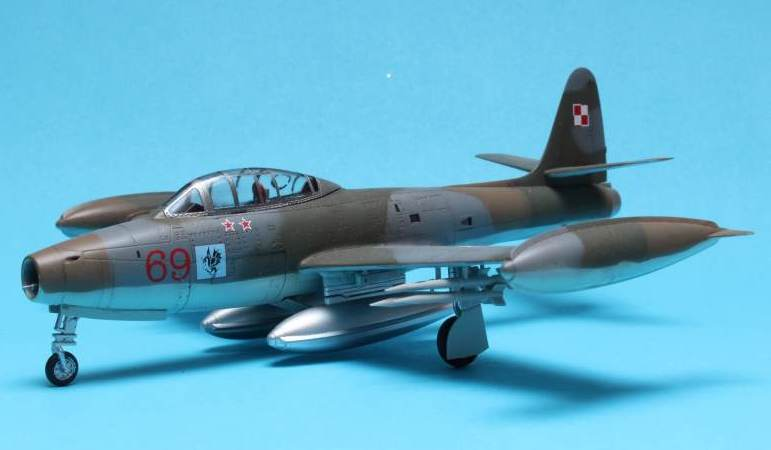 F-84G - WHAT IF - Polish Air Force - Hobby Boss 1/72 Img_4719