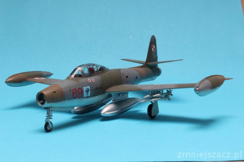 F-84G - WHAT IF - Polish Air Force - Hobby Boss 1/72 Img_4720