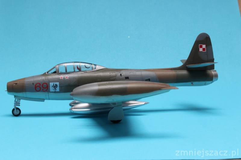F-84G - WHAT IF - Polish Air Force - Hobby Boss 1/72 Img_4721