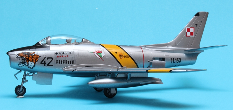 F-86F as LiM-2 - What If - PAF - Hobby Boss 1/72 Img_4724