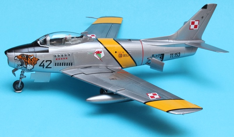 F-86F as LiM-2 - What If - PAF - Hobby Boss 1/72 Img_4725