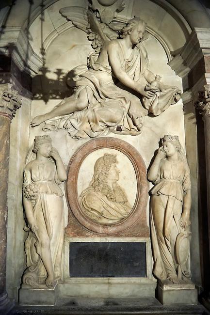 Les 300 ans de la mort de Louis XIV  Pwp88410