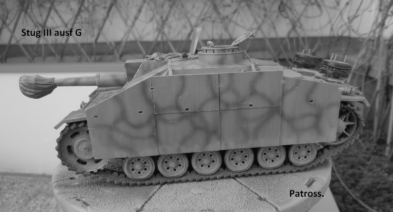 "Stug III ausf G "" 10,5 cm "" ( Tamiya, panzer art 1/35eme ) - Page 2 P1111010"