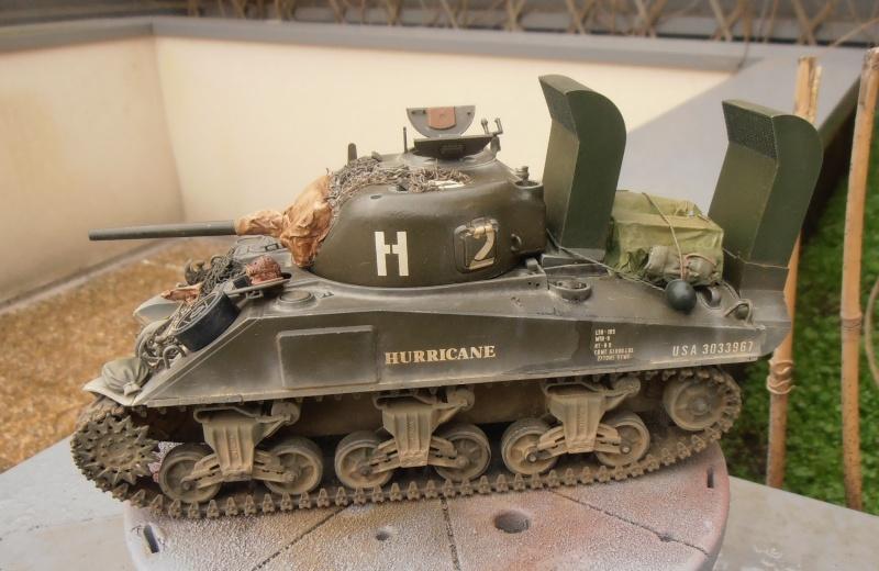 """Sherman M4   """" deep wading """" ( tamiya 1/35eme ) - Page 2 P1261011"""