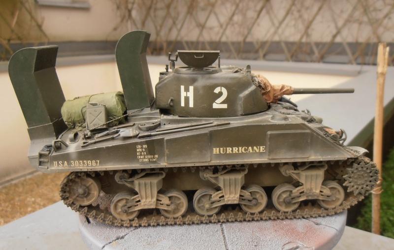 """Sherman M4   """" deep wading """" ( tamiya 1/35eme ) - Page 2 P1261012"""