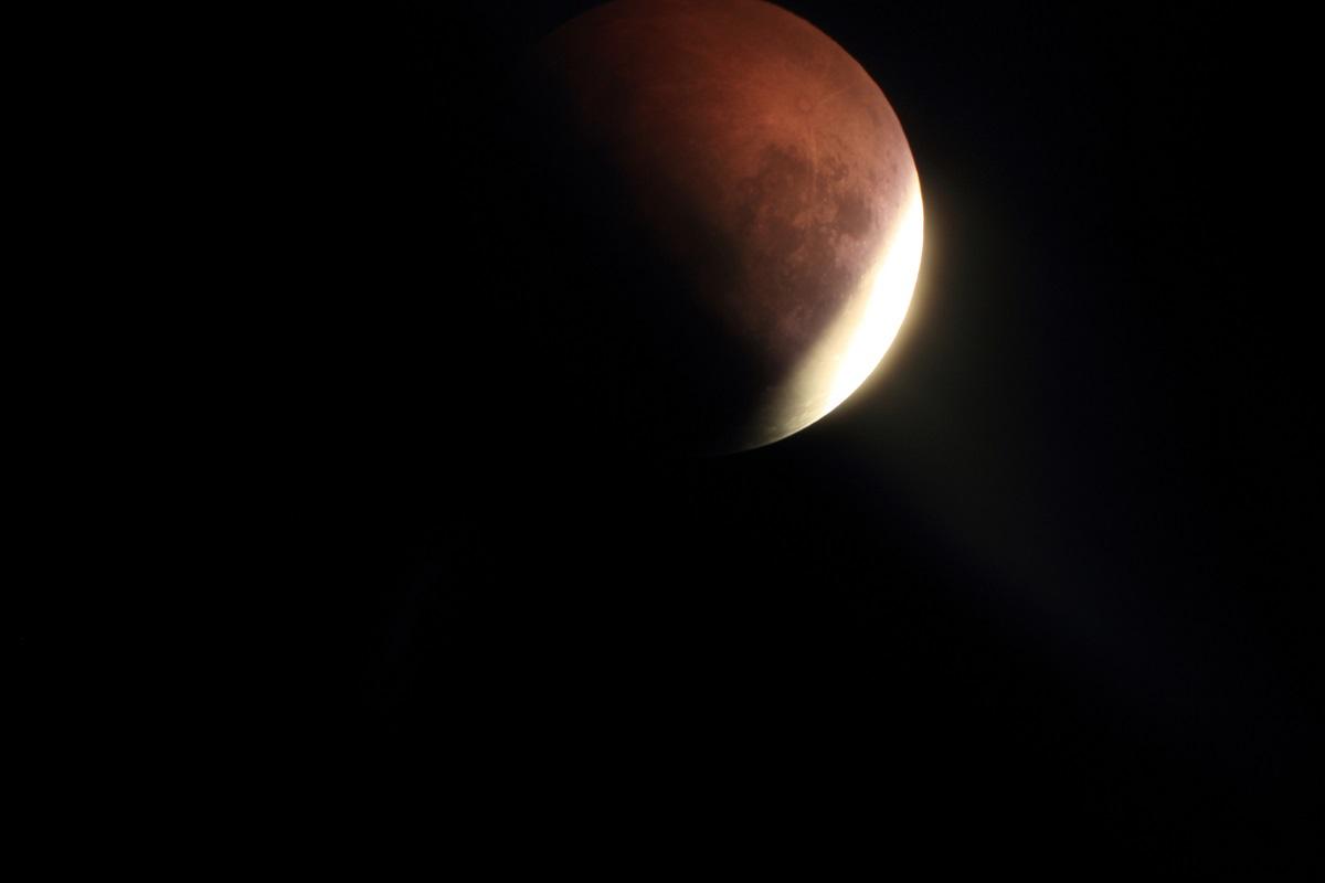 Observation vendredi 27 juillet 2018 - spéciale Eclipse de Lune - Page 2 Lune0210