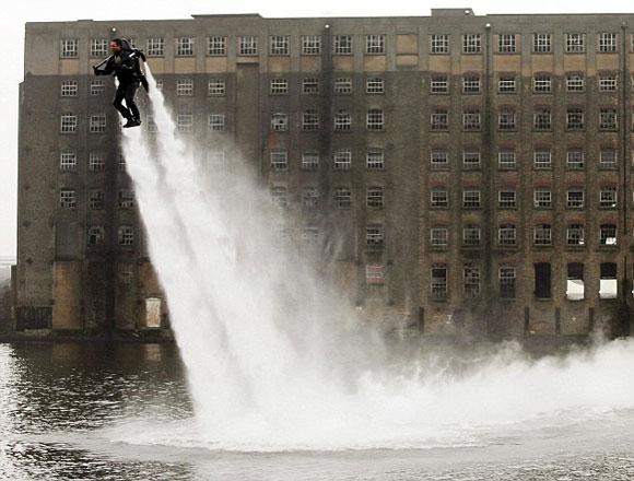 من وحي أفلام الخيال العلمي: جهاز طيران فوق الماء 1014