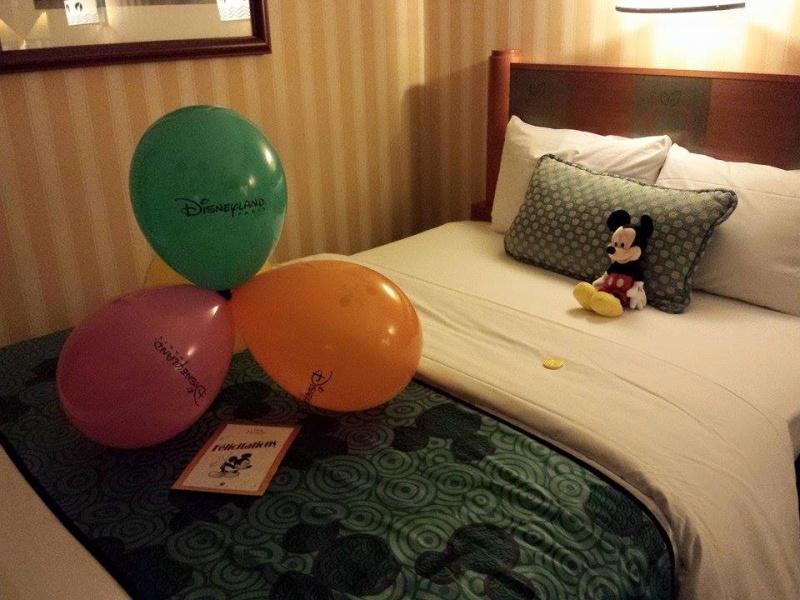 [Hôtel Disney] Disney's Hotel New York - Page 4 Chambr10