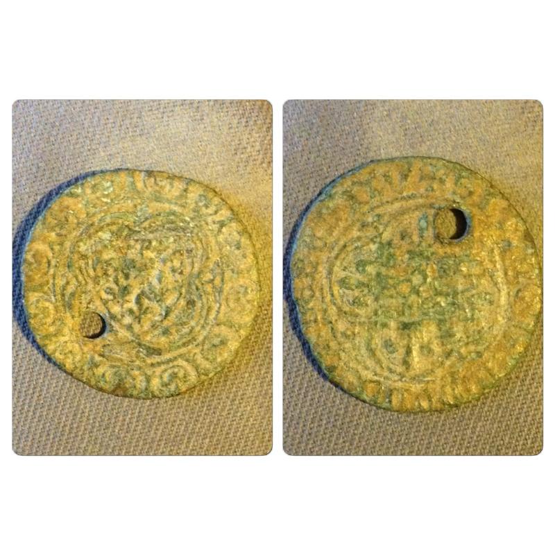 jeton de compte en cuivre datant du XVe siècle Img_3712
