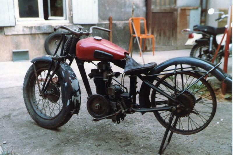 faites la liste de toutes les motos que vous avez possédé! - Page 3 Dollar10