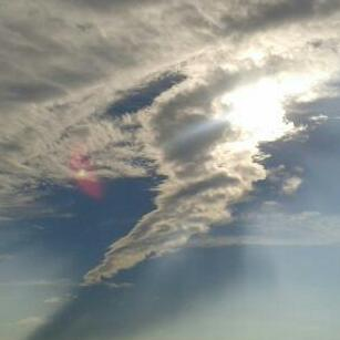 2012: le 03/08 à vers 22h - Lumière étrange dans le ciel  - cannes la bocca (06)  - Page 2 2012-013