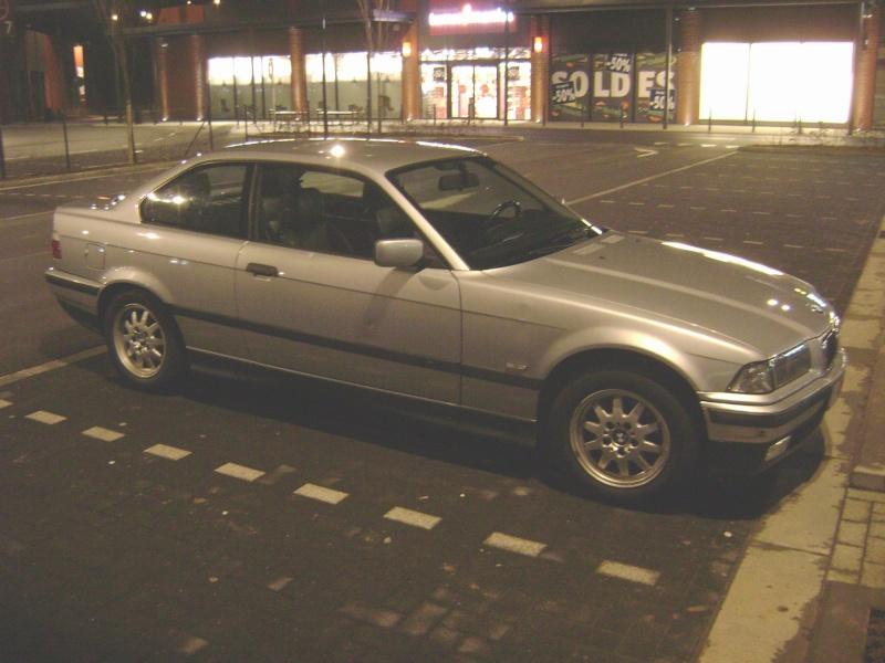 BMW 320i Coupé e36 de 1997 Dsc00811