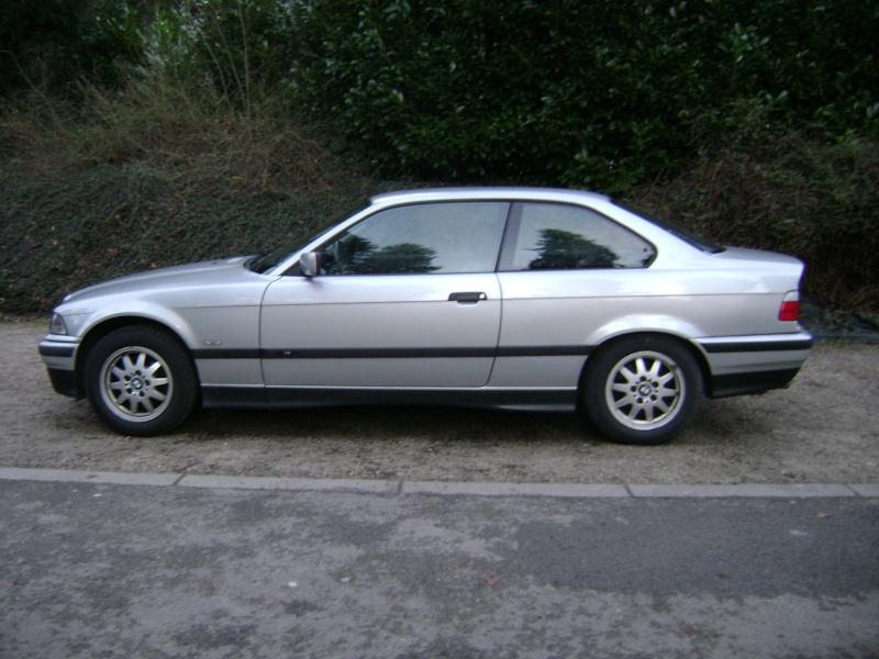 BMW 320i Coupé e36 de 1997 Dsc00812