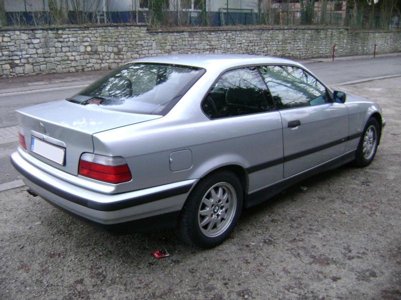 BMW 320i Coupé e36 de 1997 Dsc00815