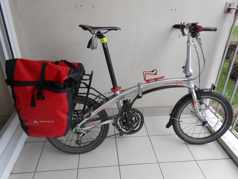 [Vente terminée] Sacoches et porte bagages Dahon V910