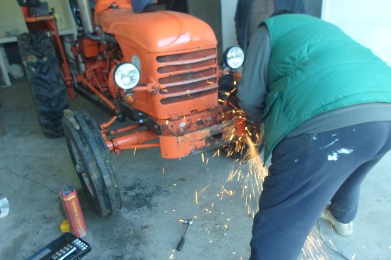 Renault D 22 et outils  Sam_0810