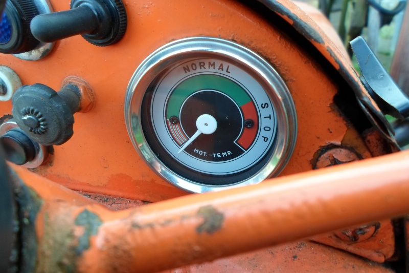 Renault D 22 et outils  Sam_0820