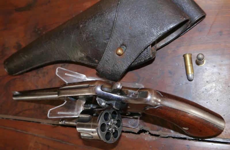 Recherche d'information concernant un Colt Army Model 1884/1901 P1110416