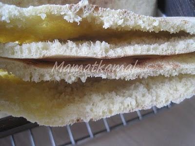Batbout (بتبوت) ou Toghrift (توغريفت) ou M'kham'r ou M5amr ou Mkhamar (مخمر) est parmi des nombreux pains marocains traditionnels et originals qui existent. 1d10