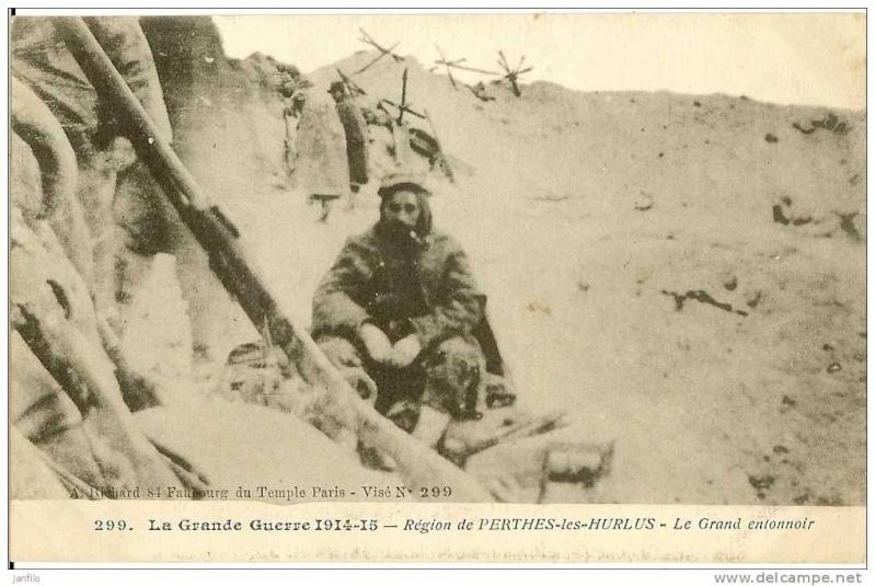 """Vestiges de la """"guerre des mines"""" (Première Guerre Mondiale) visibles dans Google Earth 175_0010"""
