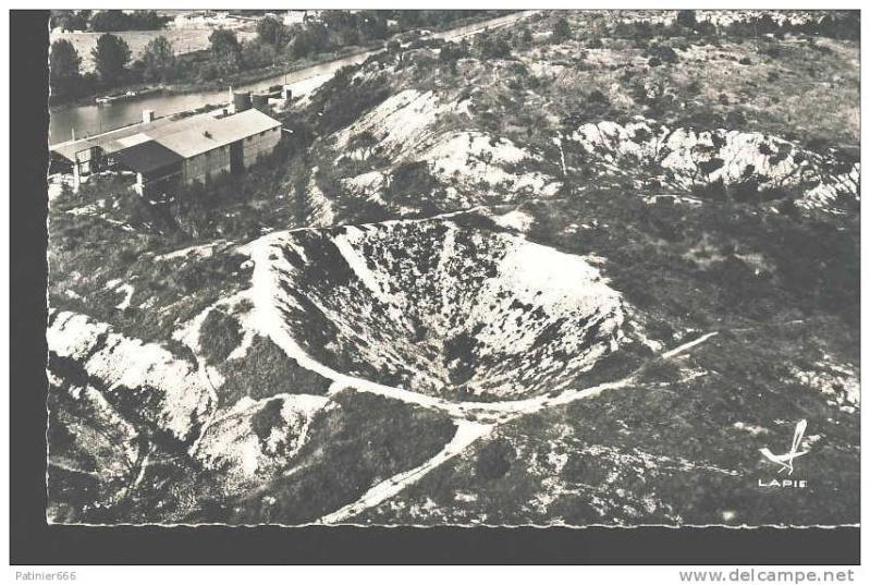 """Vestiges de la """"guerre des mines"""" (Première Guerre Mondiale) visibles dans Google Earth - Page 2 772_0010"""