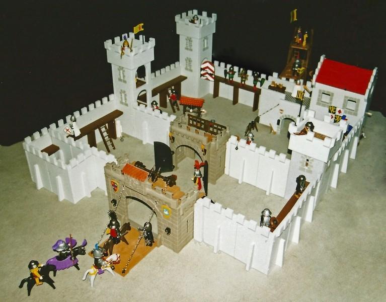 Burg aus Holz zur kompletten Überarbeitung Ritter10