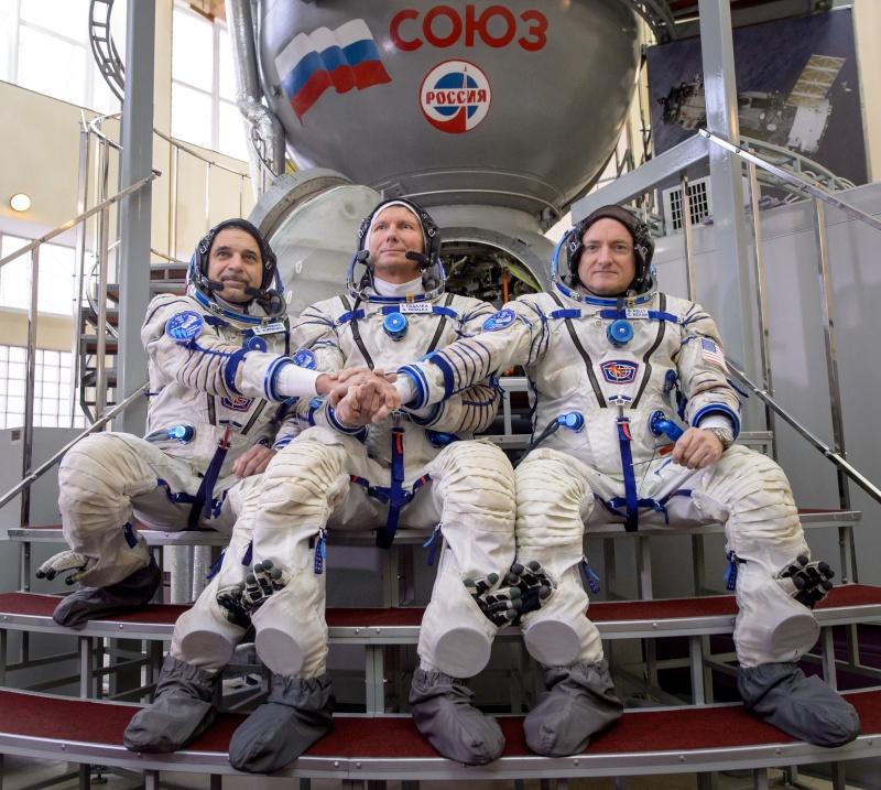 Lancement Soyouz-FG / Soyouz TMA-16M - 27 mars 2015 Soyuz-17