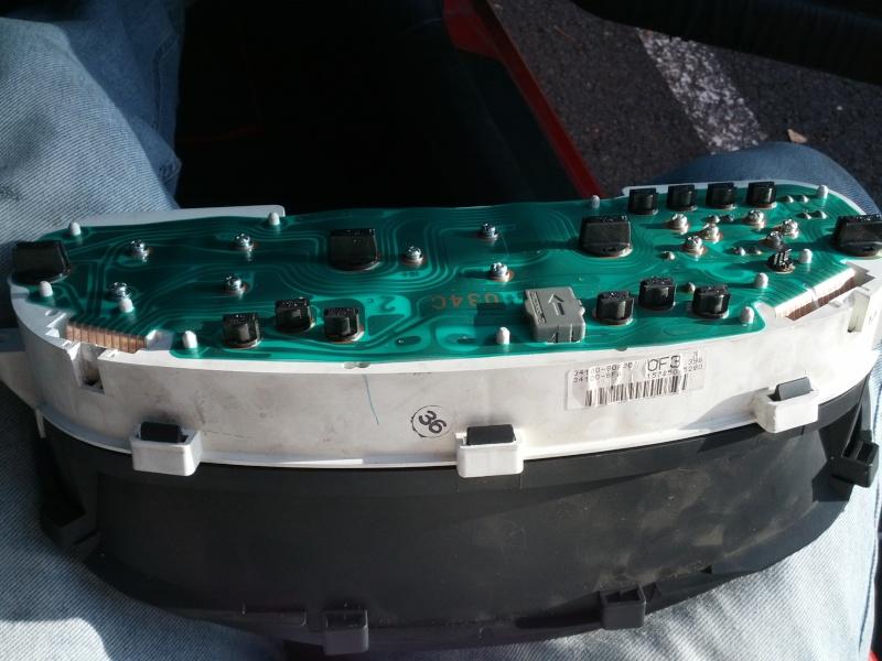 [TUTO] Mettre des ampoules LED sur le compteur Img_2020