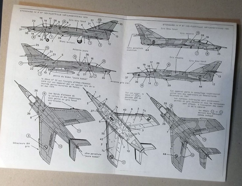 [Aeronavales 2014] [Heller] Etendard IV M & Etendard IV P Eiv_0810