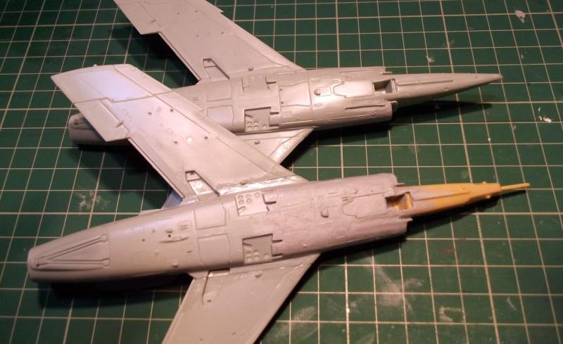 [Aeronavales 2014] [Heller] Etendard IV M & Etendard IV P Eiv_1410