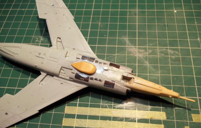 [Aeronavales 2014] [Heller] Etendard IV M & Etendard IV P Eiv_1510