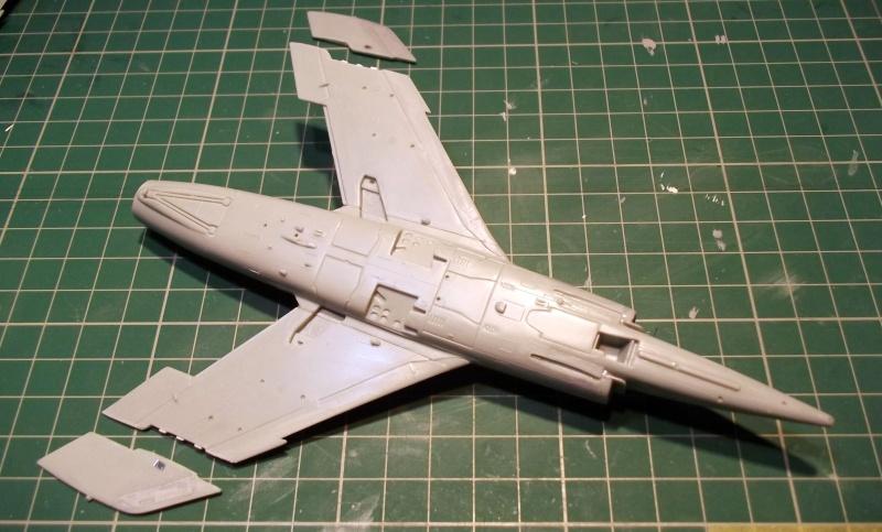 [Aeronavales 2014] [Heller] Etendard IV M & Etendard IV P Eiv_1610