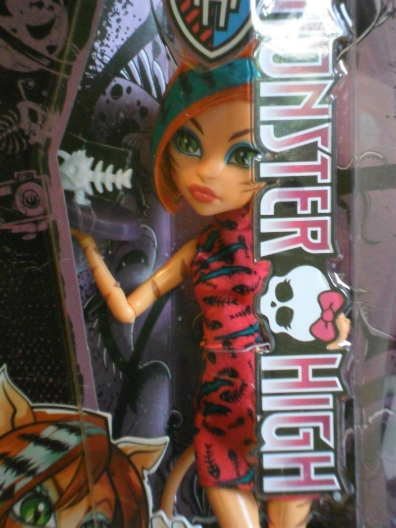 Les Monster High, les poupées que j'aurais aimé avoir petite... Nouveautés - Page 2 Sam_9411
