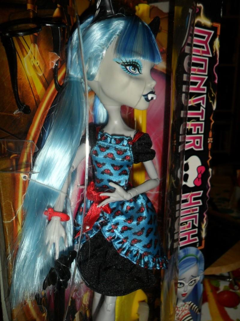 Les Monster High, les poupées que j'aurais aimé avoir petite... Nouveautés - Page 2 Sam_9611