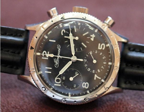 Longines type aviation Chronographes très rares, avec et sans lunette, compteur des minutes et aiguilles différentes des deux versions Bregue10