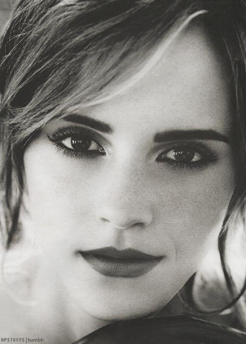 Quelques photos de l'actrice... - Page 7 D0394810