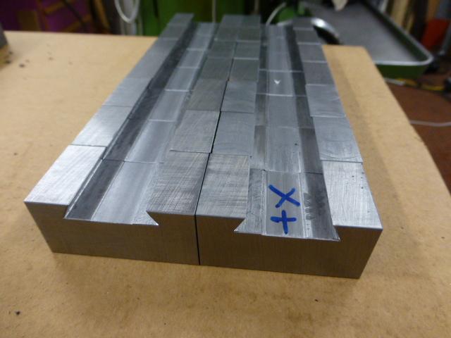 Des porte- outils pour mon Tour Schaublin 102 en pagaille... !!! P1050516