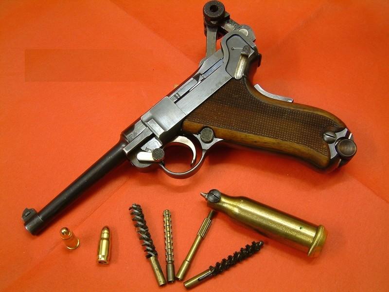 Les Luger suisses, modèles 1906 produits par la Waffen Fabrick à Berne. - Page 2 01254810