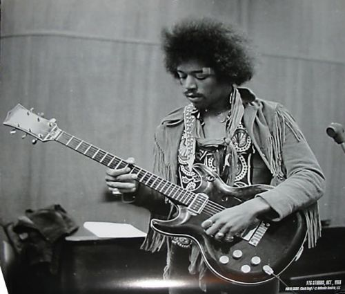 Ses guitares Black_11