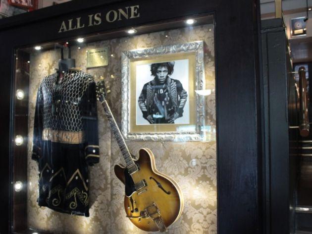 Ses guitares Gibson12