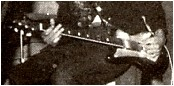 Ses guitares Image010