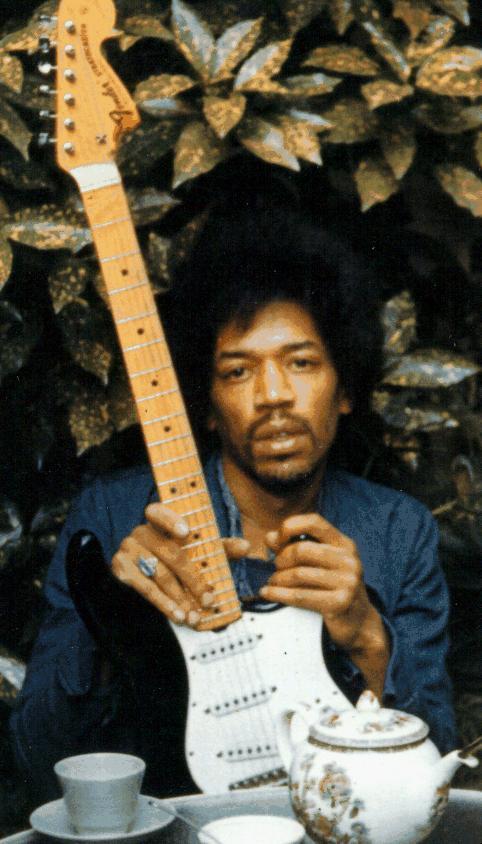 Ses guitares Jimi2210
