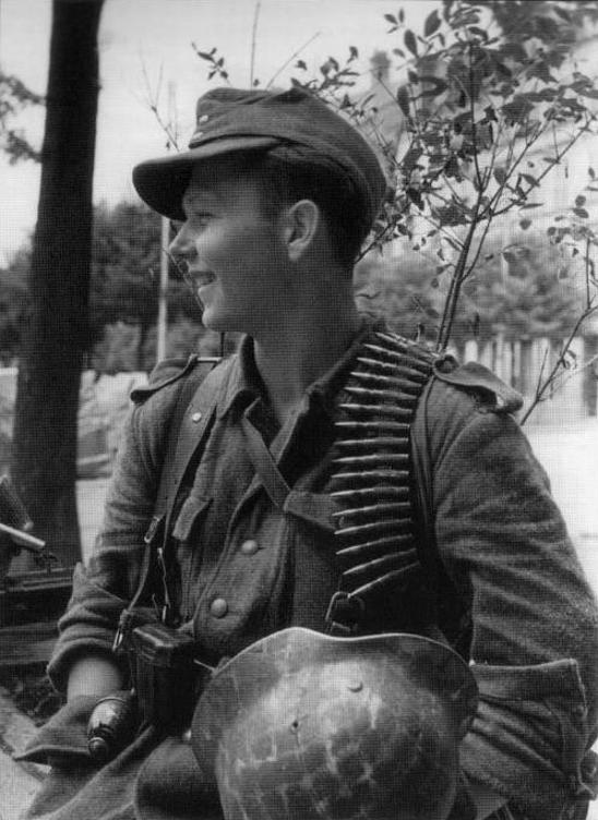 La Feldbluse Modèle 1942 15b1010