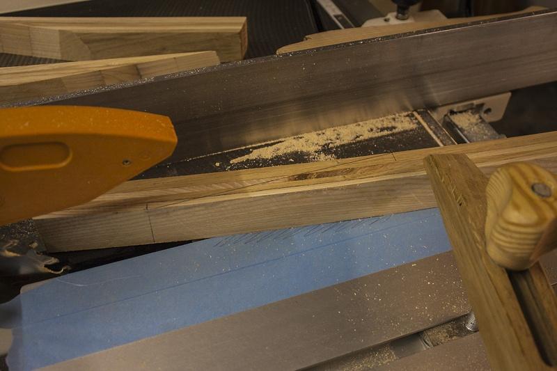 [fabrication] Un toit de roulotte de bohème - Page 6 L_atta11