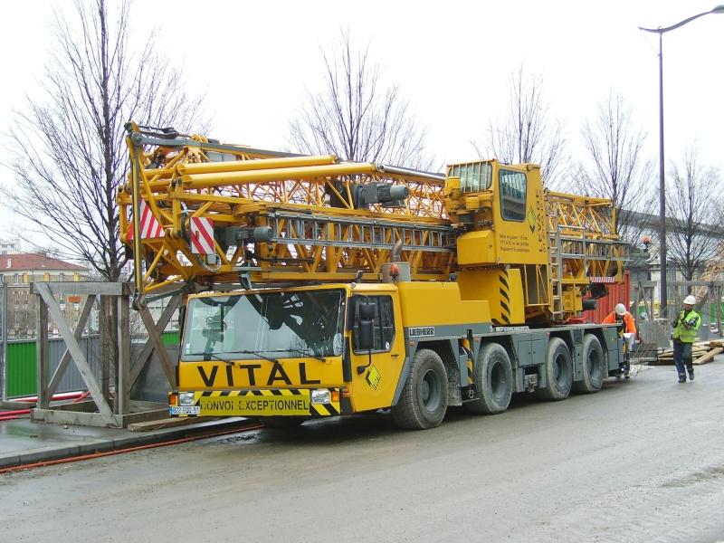 Camions grues et avenir de la grue à tour. Imgp3625