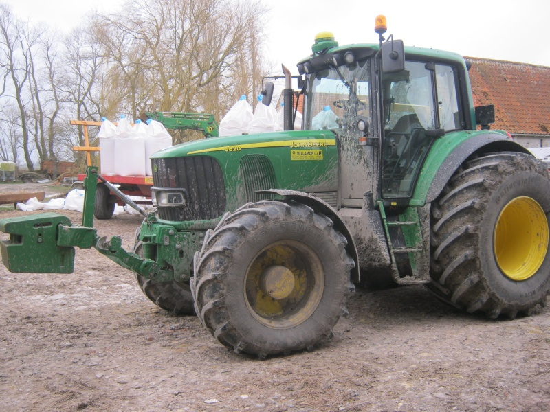 Concours du tracteur le plus cradingue - Page 11 6820_010