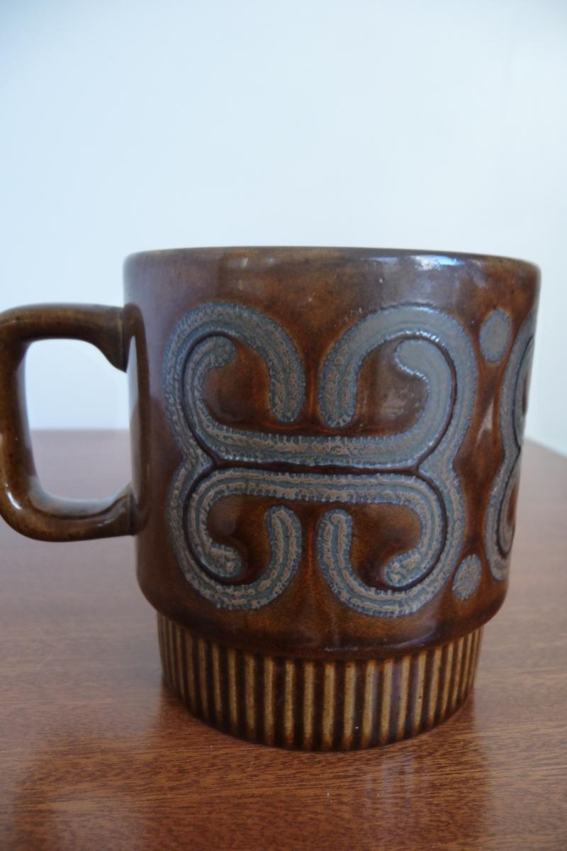 Crown Lynn with Maori patterns P1050417