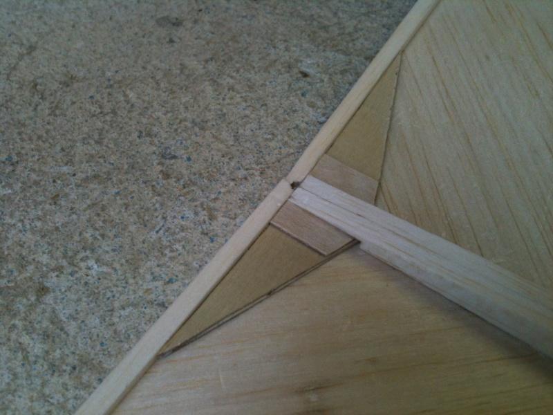 Le DAHU de la yéteam, un planeur qui va envoyer du bois! Img_1513