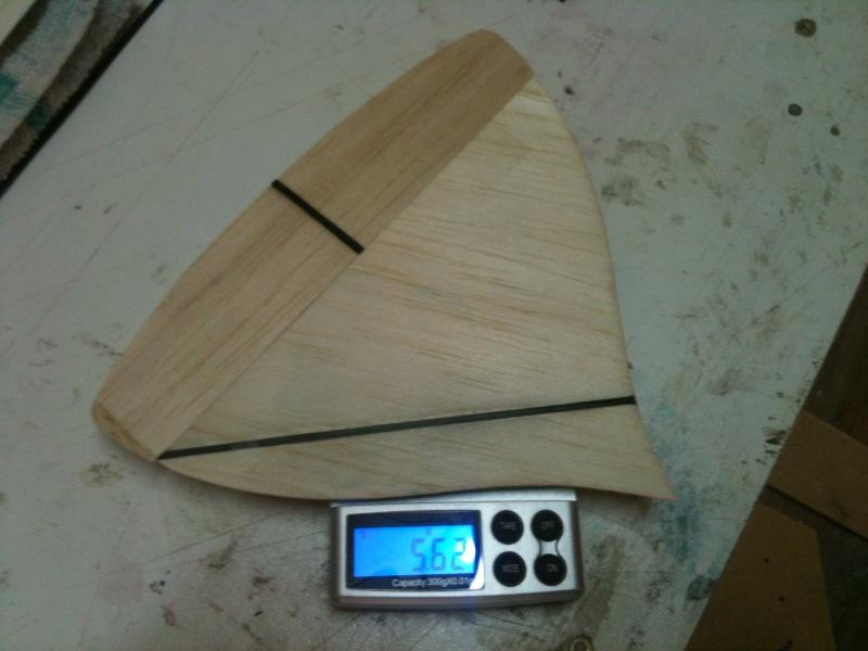Le DAHU de la yéteam, un planeur qui va envoyer du bois! Img_1521